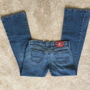 Women's lucky brand jean 08/29